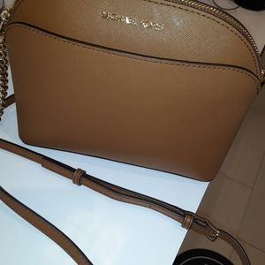 New Michael Kors Crossbody Acorn/Gold
